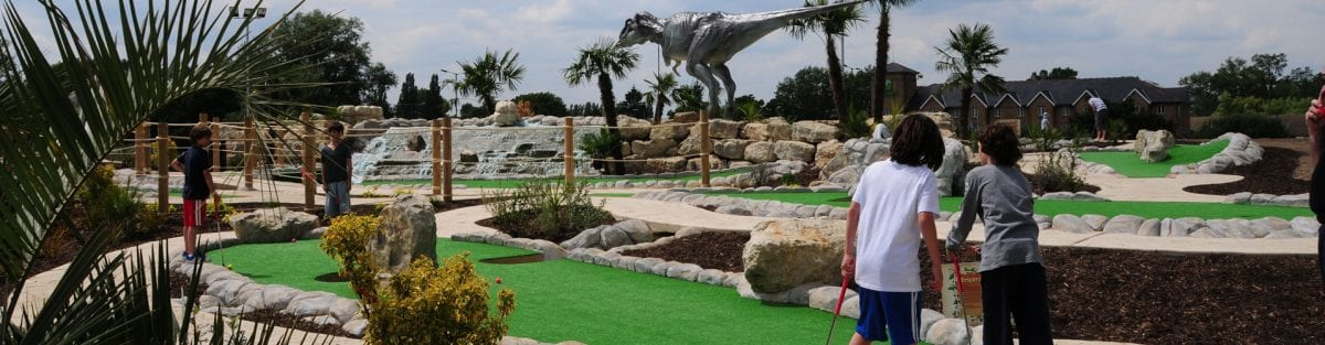 A Guide to Dinosaur Safari – Holes 17 to 18